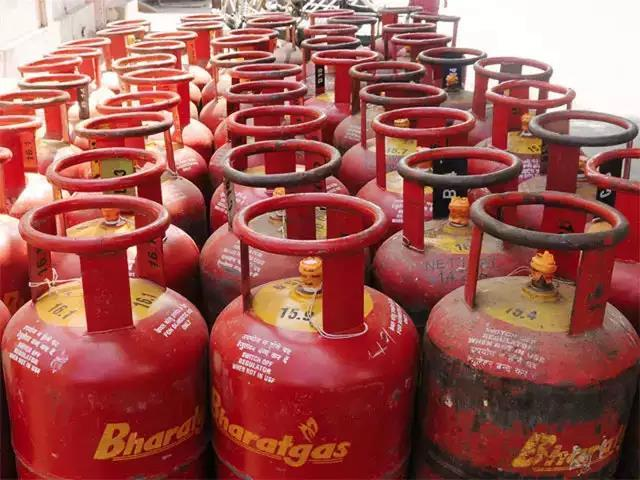 Himachal Pradesh became the 1st state in the country to have 100% LPG (Liquified Petroleum Gas)