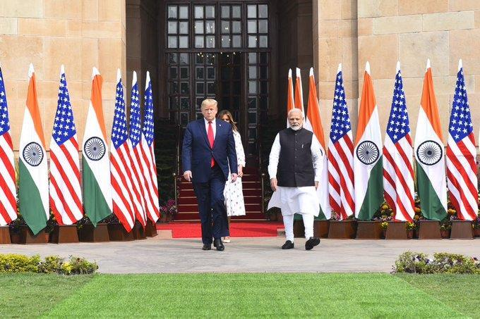 India and the United States finalized defence deals worth three billion dollars and signed three agreements, including in health and oil sectors.